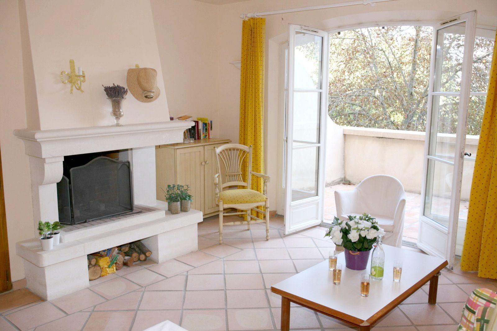 Foyer Residence La Sousto Salon De Provence : Duplex avec deux chambres dans résidence piscine t